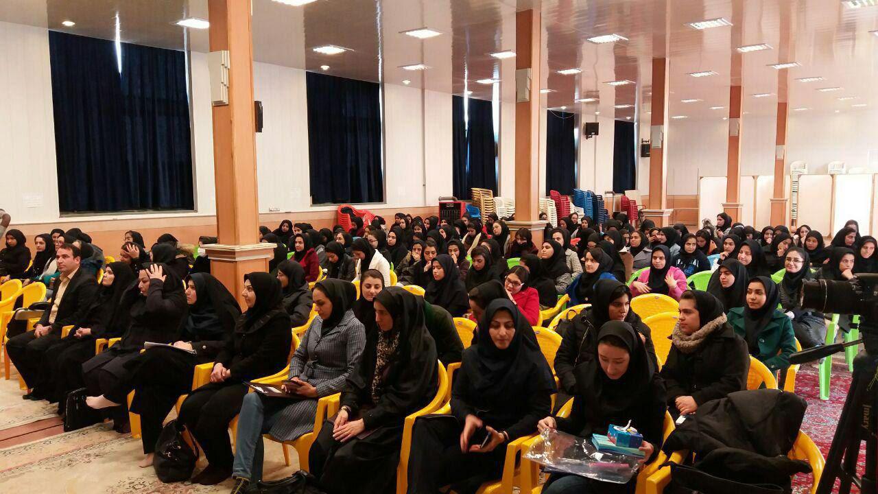 neshast3 - سلسله نشست های کارآفرینی و اشتغال زایی در دانشگاه دولتی سمیه