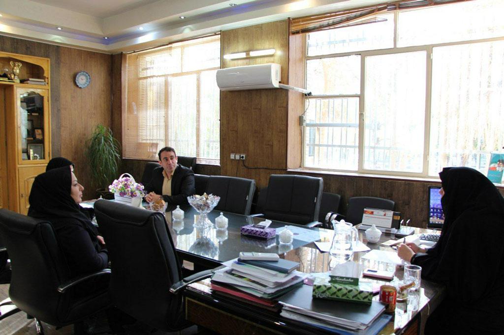 neshast4 - سلسله نشست های کارآفرینی و اشتغال زایی در دانشگاه دولتی سمیه
