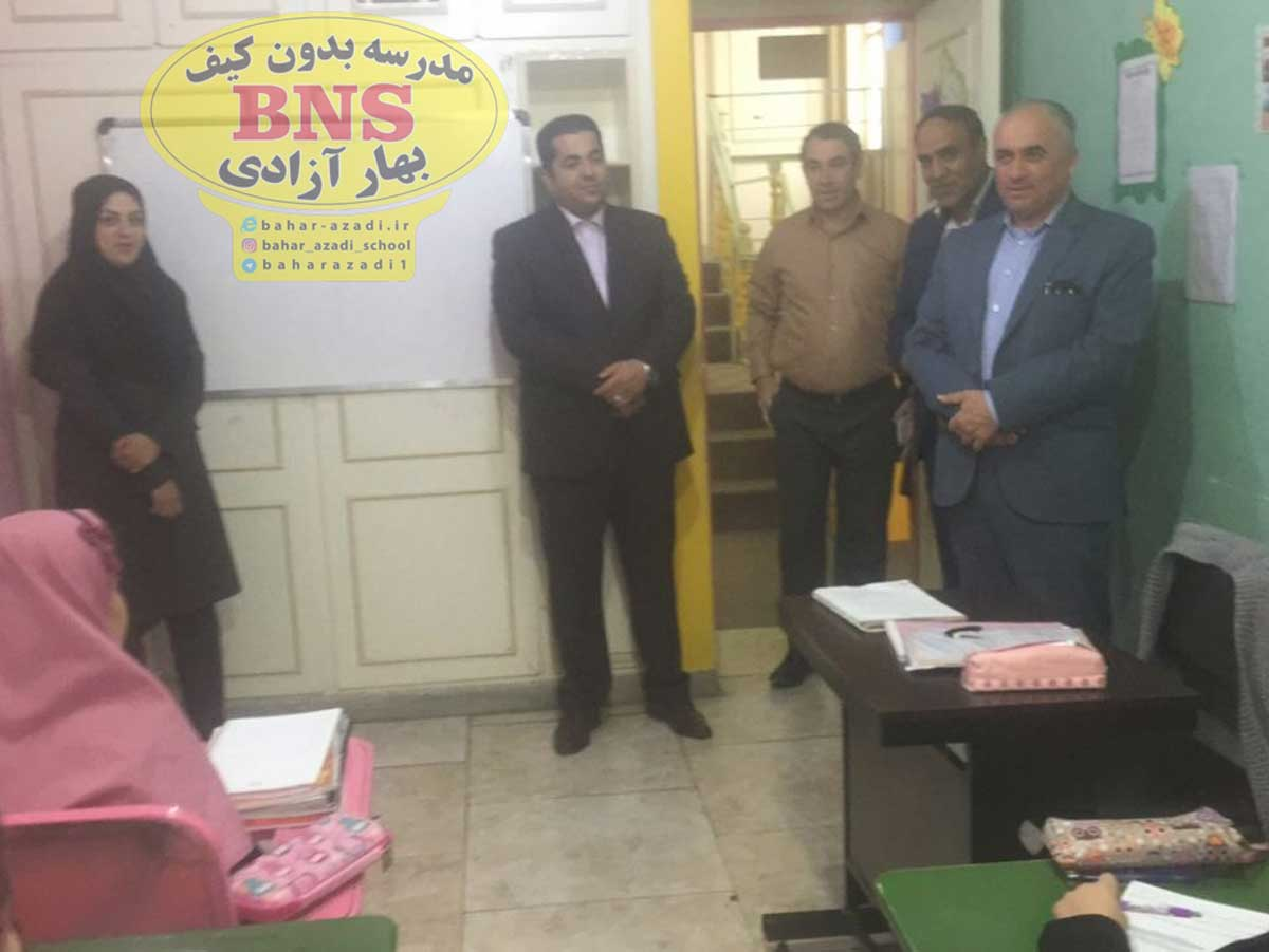 maryam azadi pejman irandoust - تصاویری از مدیریت مدرسه بدون کیف مریم آزادی اصفهان و مهندس پژمان ایراندوست