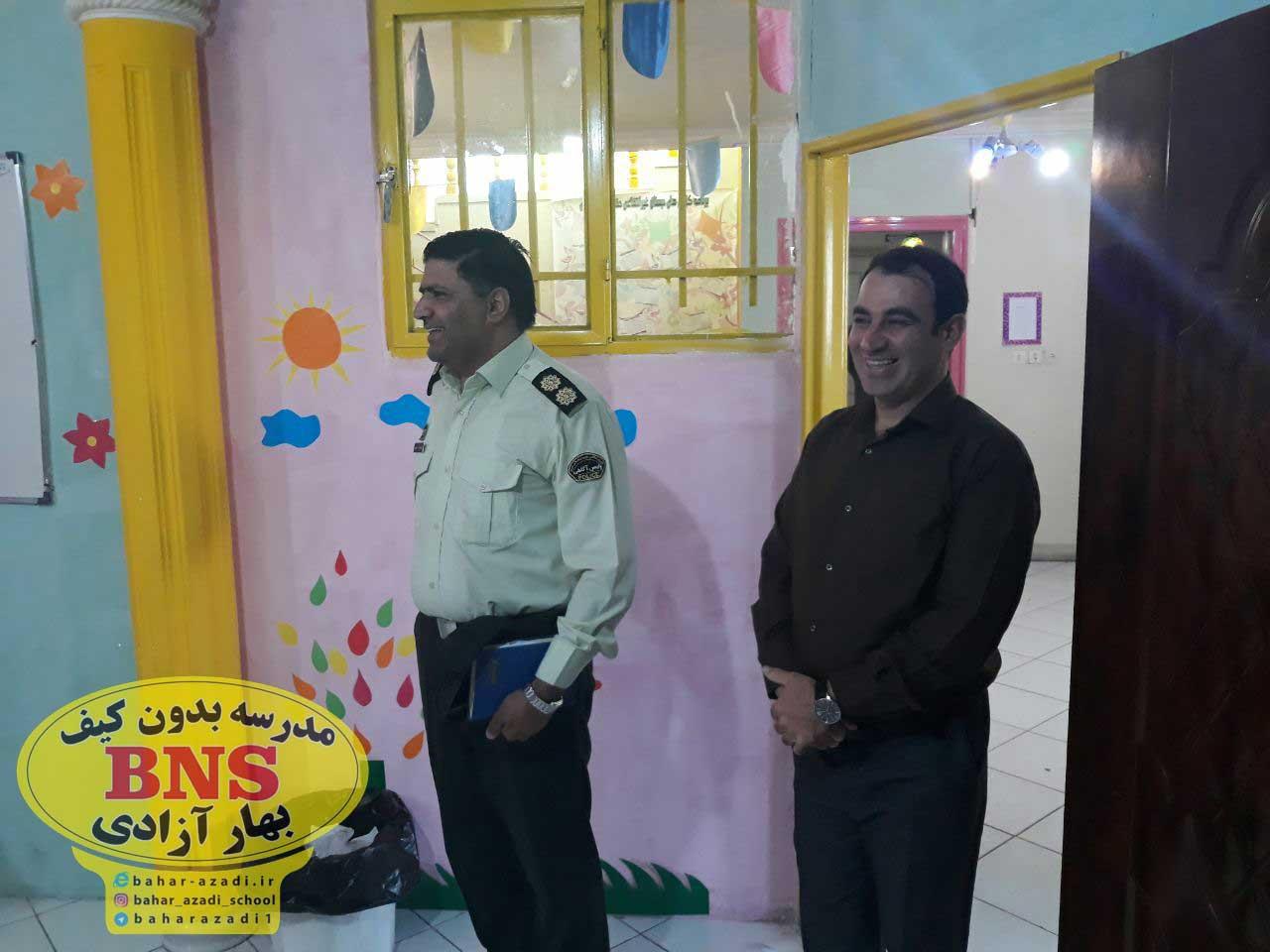 pejman irandoust2 - تصاویری از مدیریت مدرسه بدون کیف مریم آزادی اصفهان و مهندس پژمان ایراندوست